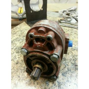 Cessna Hydraulic Pump X-15471456 made in Chicago, USA tested and works, red