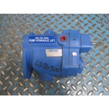 Vickers Hydraulic Vane Pump MPUB10-LS21D-12-002 426435 16J000E Used
